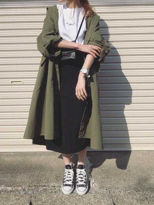 スニーカー×スカート