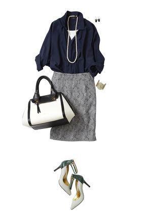 ネイビーシャツ✕薄グレータイトスカート